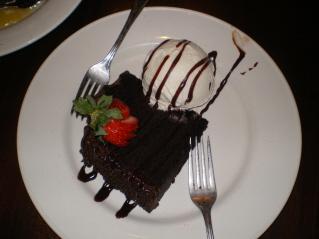 How Many Calories In Chocolate Fudge Cake And Ice Cream