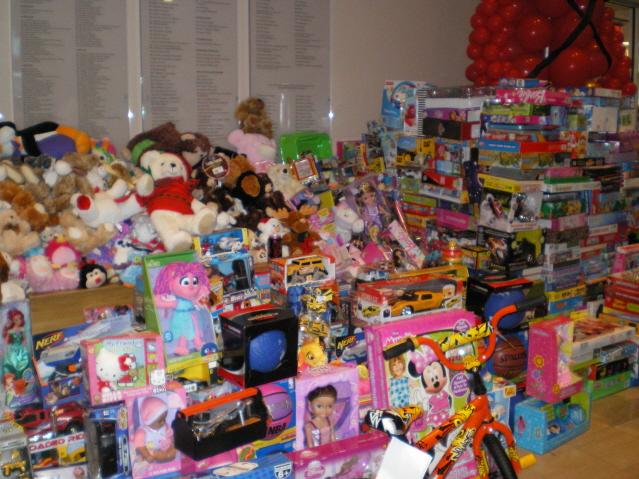 Toys Presents 7